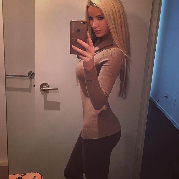 Natalie Gauvreau Instagram  Beautiful Women  Yoga Pants -2111