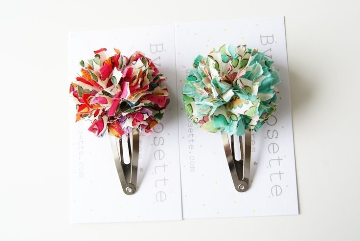 Barrette pompon en Liberty of London Betsy (2 coloris)