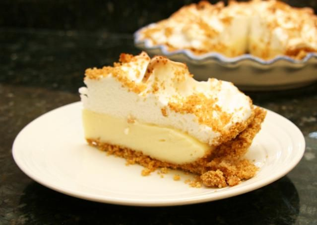 A graham cracker pie with vanilla filling and meringue or whipped cream topping. Graham cracker pie recipe, an old-fashioned favorite.