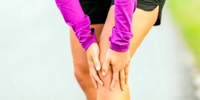 Podemos evitar sufrir calambres musculares mediante una rutina de prevención con estiramientos, y un óptimo aporte de hidratación con electrolitos