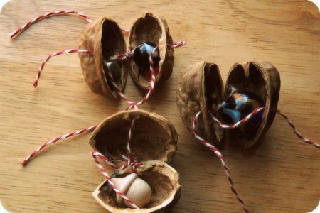 lovely little walnut gift boxes - tutorial over at Mama Roots