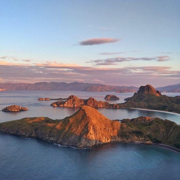 Sunrise at Komodo island https://instagram.com/p/3dIWgZjlNZ/?taken-by=ninoyap
