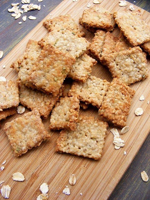 Rozmaringos zabpelyhes keksz (sós kréker)