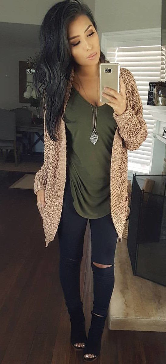 #fall #outfits women's brown knit cardigan