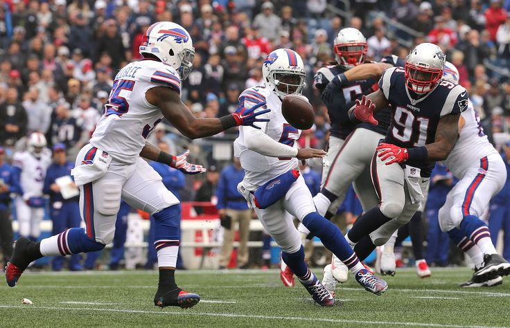 Patriots running back Mike Gillislee's 5.71-yard average carries some history into 2017 - Pats Pulpitclockmenumore-arrowStubhub Logo : Mike Gillislee's 5.71 yards per carry sat atop the league last year, while also setting him in the company of a select few running backs since the NFL merger.