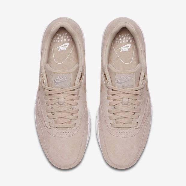Женские кроссовки Nike Air Max 1 SD