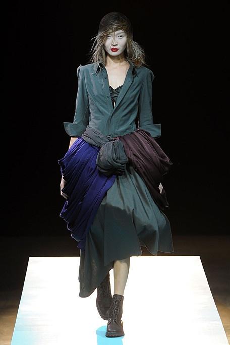 YOHJI YAMAMOTO Spring 2011 Fashion Week