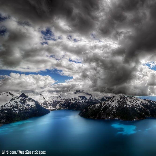 Panorama Ridge above Garibaldi Lake, Garibaldi Provincial Park, Beautiful British Columbia, Canada.