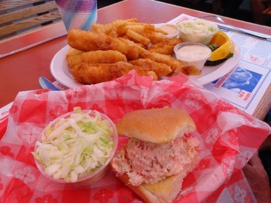Lunch Lobster Roll Restaurant Amagansett Ny