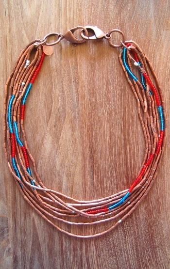 My two favorite colors in one necklace! Coral red, turquoise blue... with copper elements and fasteners. Gorgeous: Favorite Colors