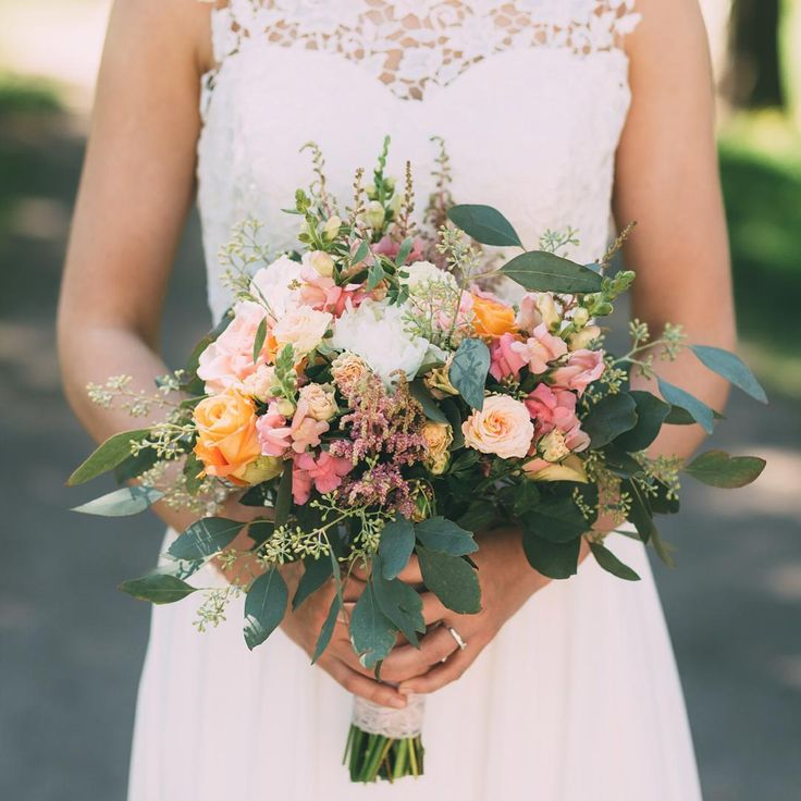 #weddigbouquet #bohemianwedding #bouguet #weddingphotography #bride #häät #hääkuvaus #hääkuvaaja #hääkimppu #häät2016 #morsian  #täydenkuunkuva