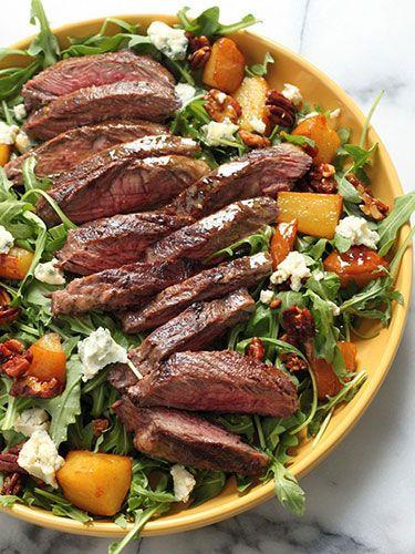 Arugula skirt steak salad