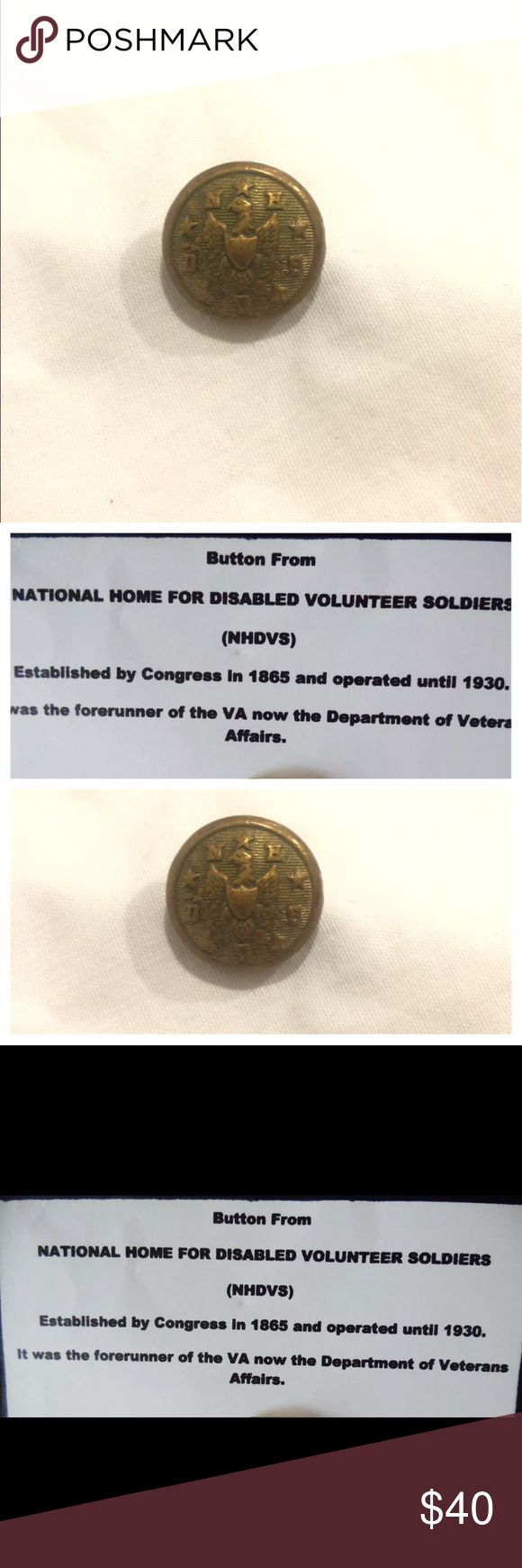 "ANTIQUE NHVDS 5/8 inch BUTTON BY Steele & Johnson VINTAGE c1865 - 1930 (NHDVS) NATIONAL HOME FOR DISABLED VOLUNTEER SOLDIERS BUTTON IN EXCELLENT AS FOUND ORIGINAL CONDITION  THIS IS A BUTTON WITH A SOLID SHANK AND IT MEASURES APPROX 5/8"" in DIAMETER   IT WAS MADE BY STEELE AND JOHNSON OF WATERBURY, CONN. AND ITS IN EXCELLENT CONDITION WITH A NICE PATINA FROM AGE  THE (NHDVS) WAS ESTABLISHED BY CONGRESS IN 1865 AND OPERATED UNTILL 1930 IT WAS THE FORERUNNER OF THE VA NOW THE DEPARTMENT OF…"