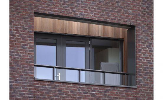 Roval Aluminium   Specialist in aluminium bouwproducten voor dak & gevel.  Roval-Baluster® met glas.