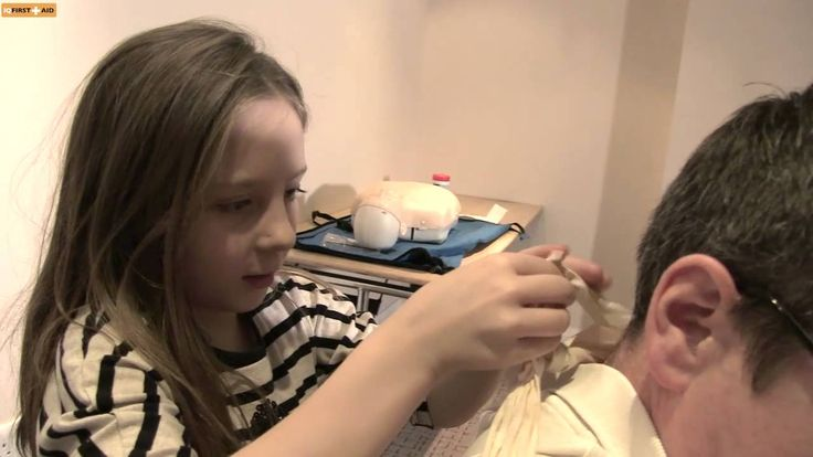Have a look on this video which is especially for kids where Mr. Austin Foenander and two kids shows us how to do pupils triangular bandage when anybody face broken and fractured arm situation.