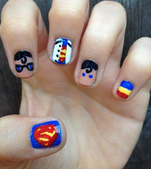 Clever Superman nail art                COOOOOOL!!!!!!!!!!!!!!!!!!!!!!!!!!!