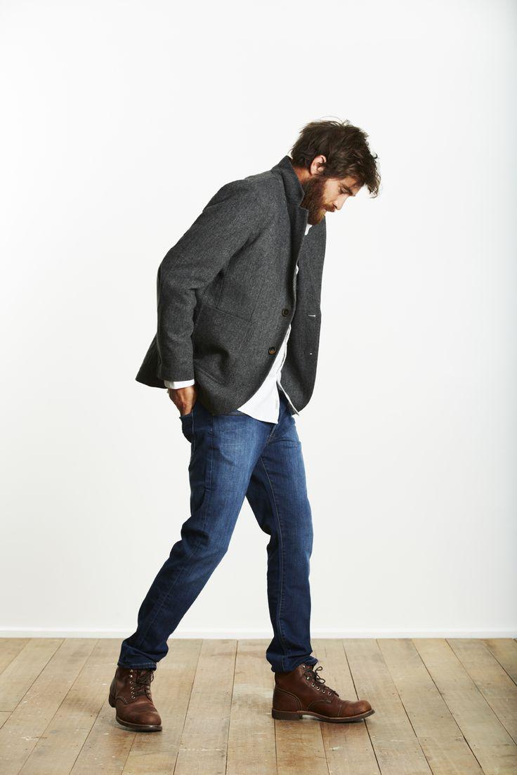 Un estilo casual semi-formal, combinación de jeans y americana, un must para nuestro fondo de armario.  www.silviafoz.com
