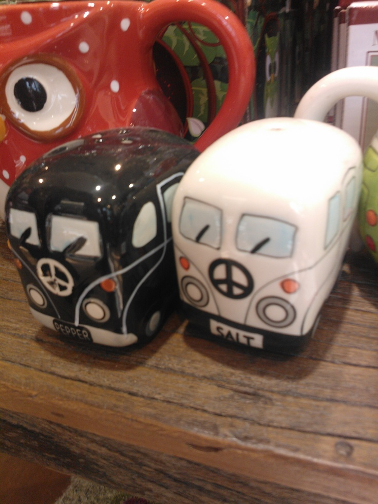 vw kombi salt and pepper shakers
