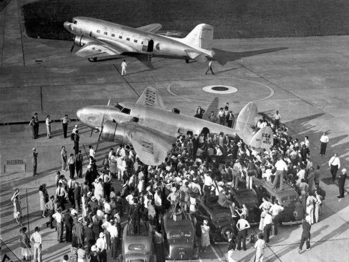 Аропорт Флойд Беннетт Филд - первый городской аэропорт Нью-Йорка. Говард Хьюз начал здесь и закончил свой рекордный 91-часовой кругосветный авиаперелет в 1938 году.