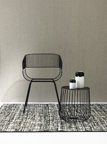 The qualities of this artisanally-woven range echo the traits of Mother Nature: beautiful, wild, and following a regular – yet always unique – pattern. The irregularities of its natural fibres are magnified by subtle lines of simple purity.