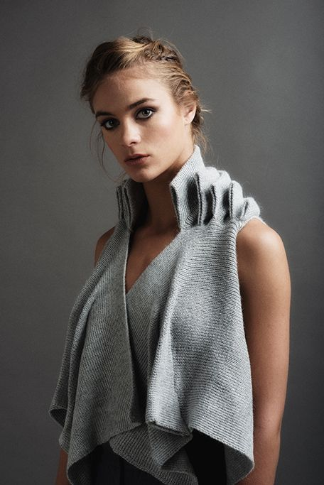 designer: Paula Ledesma Triangulo waiscoat 100% Alpaca wool colors: Gray, black, raw