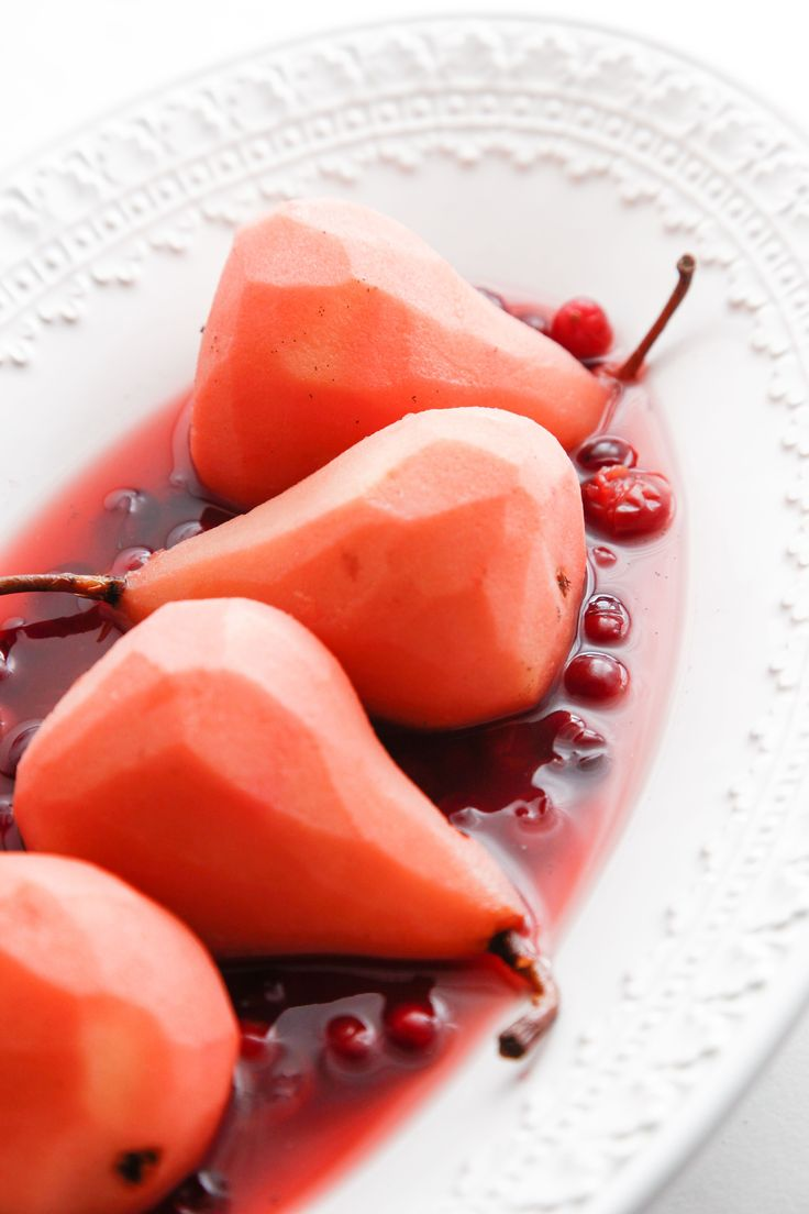 Cranberry Poached Pears are a simple and healthy Christmas dessert. Serve warm or chilled this is the perfect dessert after your Christmas dinner.