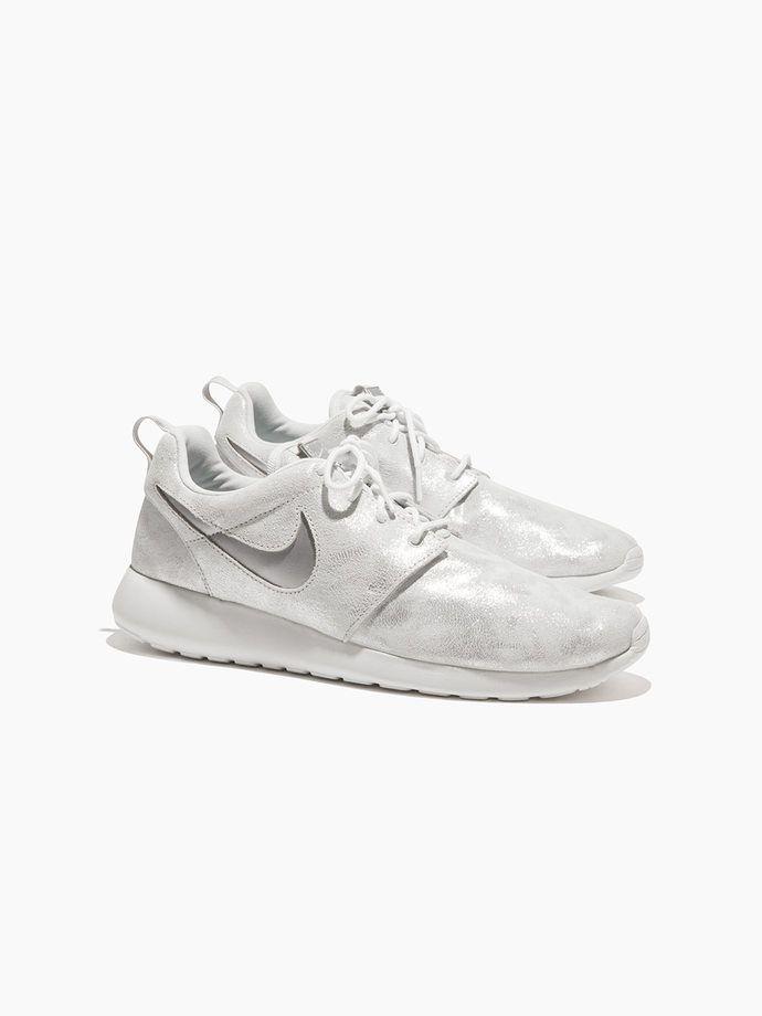 NIKE Women's Nike Roshe One Premium