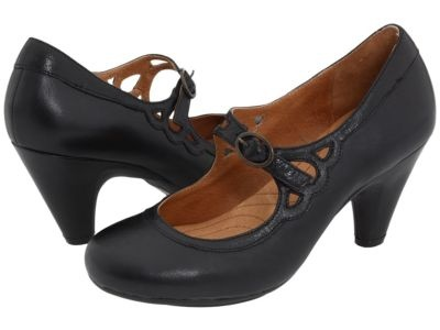 Indigo by Clarks Plush Sateen shoe (have it in champagne leather)