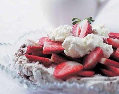Supernem islagkage med jordbær
