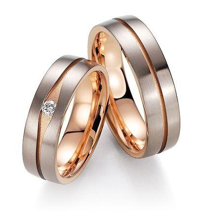 Gouden ringen heren en dames ringen. Gouden bicolor ringen * Voordat wij de ringen op maat maken kunnen wij u ook een ringbos of dummy ringen toesturen. - € 1.095,00