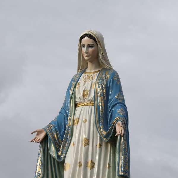 Faça oração para Nossa Senhora Passa na Frente e abra caminhos