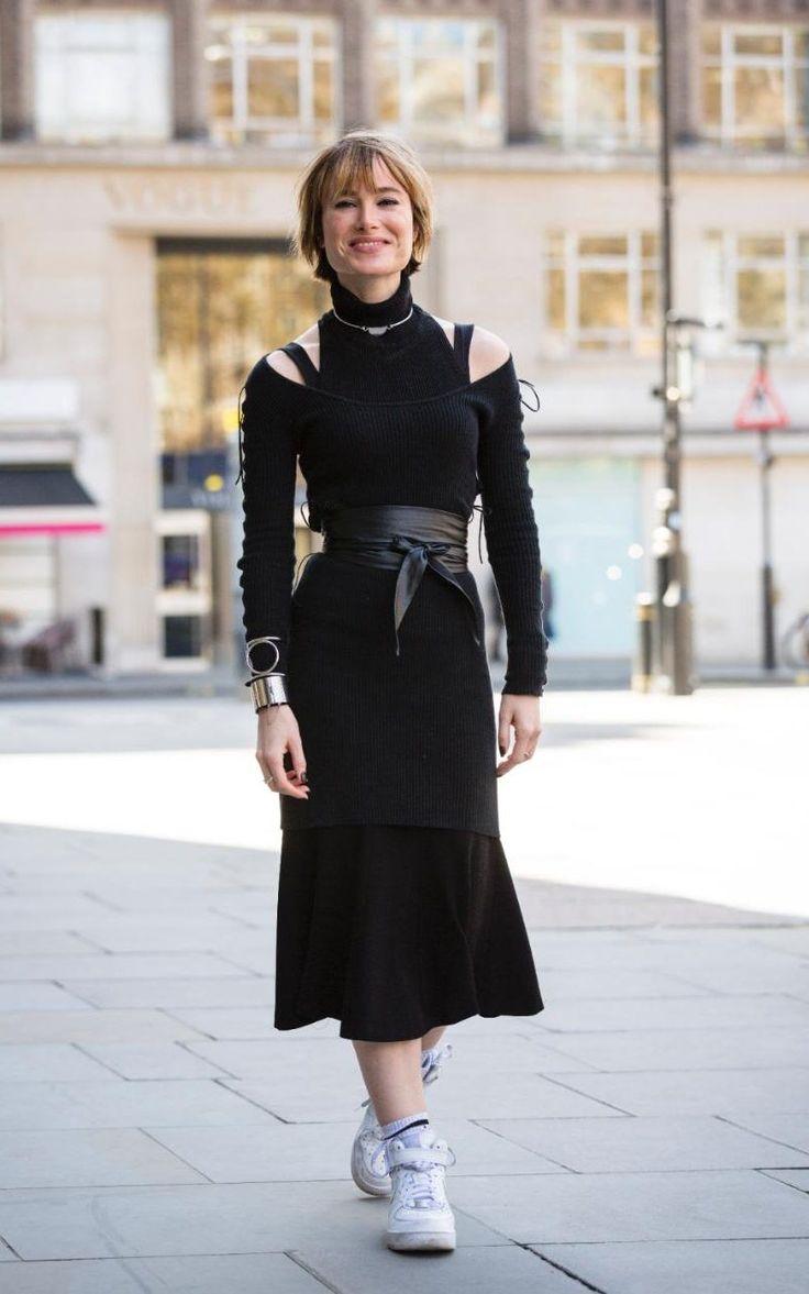 Julia Hobbs assistant vogue fashion editor