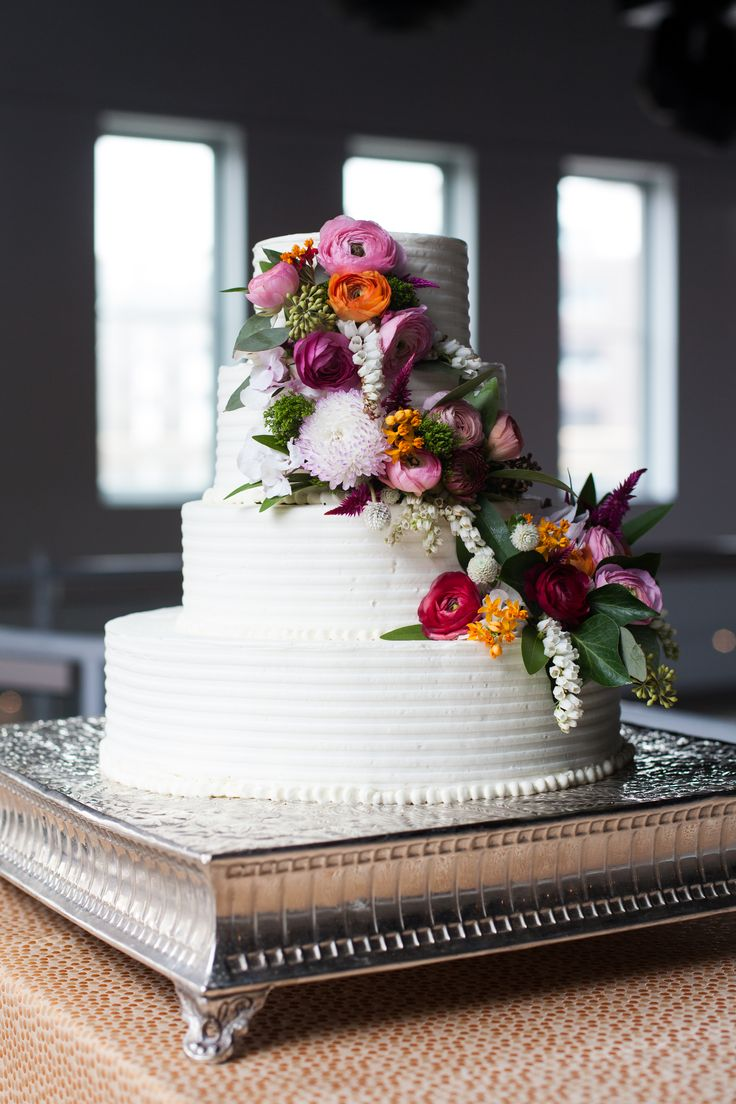 Custom Wedding Cake CRAVE Catering Minneapolis MN La Vie Photography
