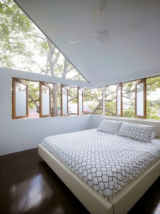 Light filled main bedroom, Sydney House renovation by Architect Christopher Polly