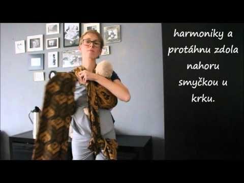 Video česky: Jeden šátek od velikosti 6: Nošení dvojčat: Amanda's tandem hip carry - YouTube
