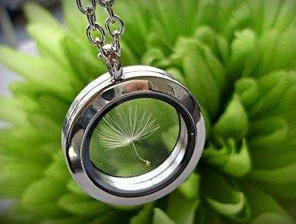 ~*Simplicity Dandelion Pendant*~  | Felt