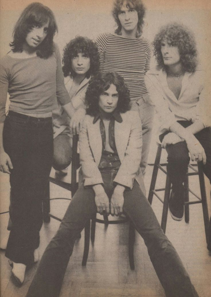 """Piper - 1977 in Circus BILLY SQUIRE ROCKIN' POWER POP. Like mixing BIG STAR, & RASPBERRIES w/'70s Rock. They toured w/KISS, ELO & STARS fitting Perfect. PIPER formed after his year in THE SIDEWINDERS w/Pop genius ANDY PALEY didn't lead to a second LP. Squire's first band was w/JERRY NOLAN!! Called KICKS & were pre NEW YORK DOLLS. PIPER made two killer LPs before he went solo..""""Who's Your Boyfriend Now"""" & """"I Can't Wait""""are perfect '70s kid anthems that shoulda been on """"Over The Edge"""" OST!"""
