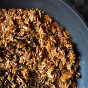 Snabblagat enkelt recept med lax och kantareller. Fungerar fint att byta laxen mot kyckling filé om man föredrar det. Mums!