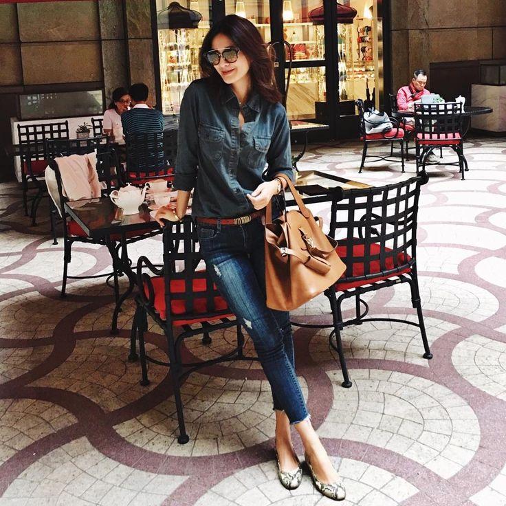 "1,415 Likes, 22 Comments - Jennifer Wei (@chienyu520jen) on Instagram: ""Denim on denim 仿舊的丹寧色襯衫好特別,就是喜歡舊舊帶有復古味道的東西~不管是復古的飾品、衣服、傢俱、擺飾們每次都讓我眼睛ㄧ亮被吸走✨…"""