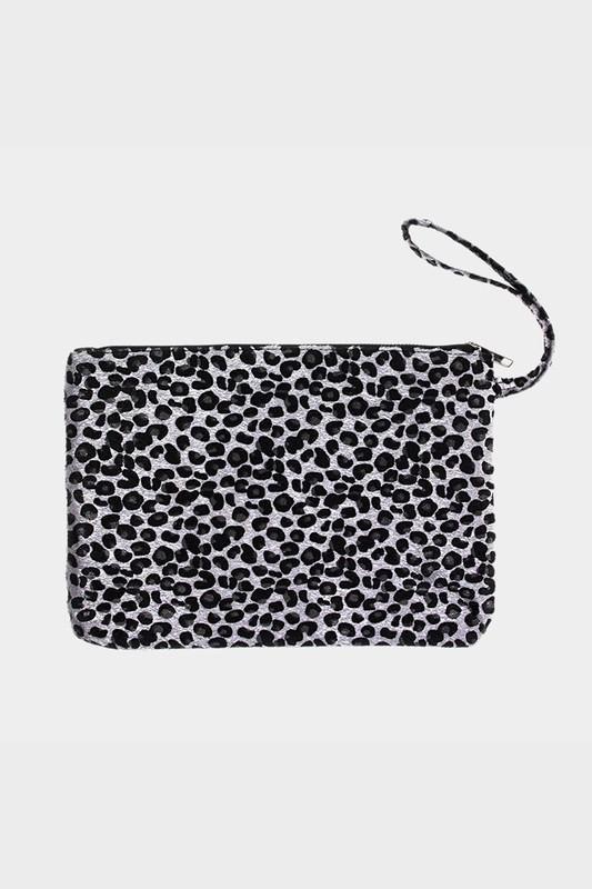 e5d207edda227 Shop Jess Lea Boutique Everyday Leopard Print Bag  jessleaboutique  jesslea   jessleastyle  onlineboutique  leaopard  leopardclutch  leopardaccessories  ...