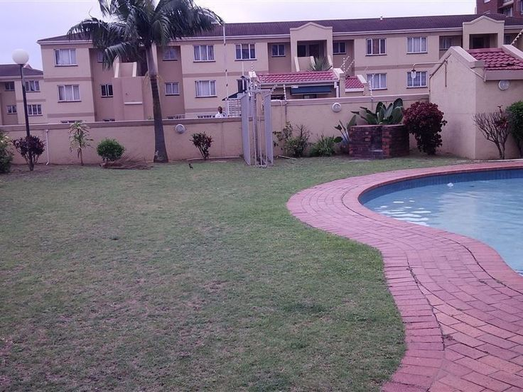 single room available call  073 039 4533 OR SEE ME @ 417 Anton Lembede StreetSANGRO OFFICE 411 Durban 4001