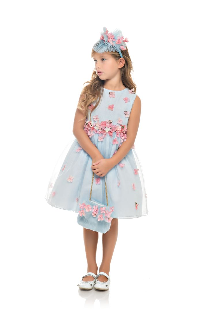 A wonderful dress from our luxury-50th anniversary line in pure organza silk is on Vogue Bambini  (Model 6015) http://voguebambini.vfnetwork.it/look/2015/03/27/tulle-rock-o-romantico/  http://lesy.it/boutique/it/luxury/132-abito-luxury-50th-anniversary-in-organza-di-pura-seta.html  #lesy #ss15 #luxury #madeinitaly #fashion #cutekidsfashion #couteredress #glamour  #kidsclothes #kidscollection #wedding