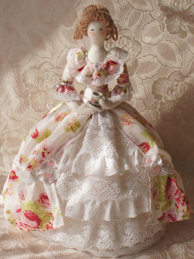 Кукла текстильная ручная работа   Чайная Барыня (грелка на чайник)  Fiva