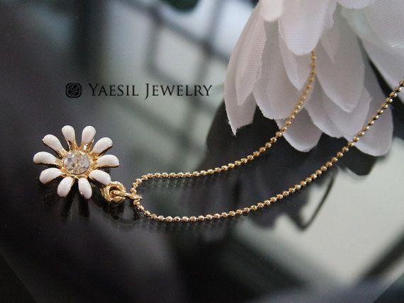 Flower Necklace White Daisy Necklace Small Charm by YaesilJewelry