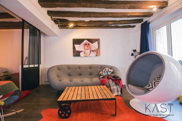 Столик в стиле лофт хорошо сочетается с деревянными балками и стеклянной перегородкой.  (квартиры,апартаменты,мебель,интерьер,дизайн интерьера,эклектика,смешение стилей,средиземноморский,средиземноморский интерьер,средиземноморский дом,средиземноморский стиль,индустриальный,лофт,винтаж,стиль лофт,индустриальный стиль,1950-70е,середина 20-го века,медисенчери,медисенчери модерн,гостиная,дизайн гостиной,интерьер гостиной,мебель для гостиной) .