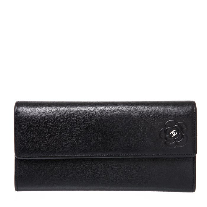 CHANEL camellia calf leather Bifold wallet - Affordable Luxury