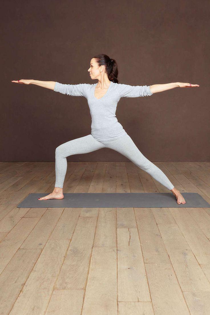 Stress – Glamour zeigt Ihnen Schritt-für-Schritt, welche Yoga-Übungen Ihnen dabei helfen können, Stresshormone zu verringern und Ihre Stressresistenz zu erhöhen!