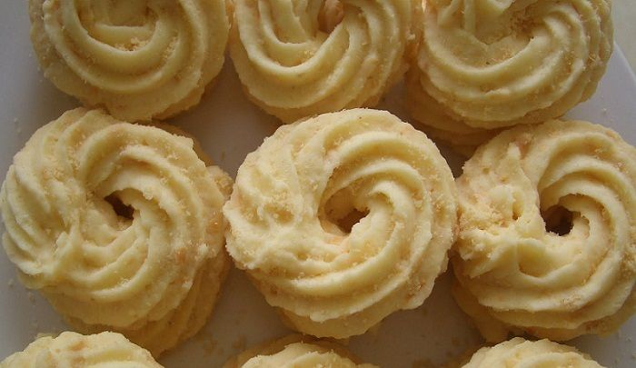 Resep Membuat Kue Semprit Durian Wijen