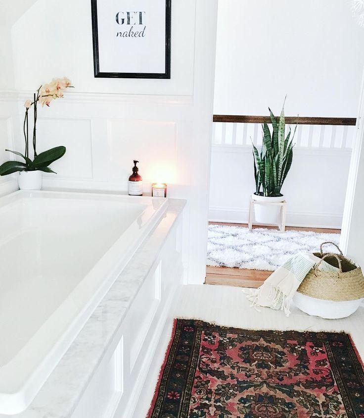 Minimalist Bathroom Pinterest: 17 Best Ideas About White Minimalist Bathrooms On