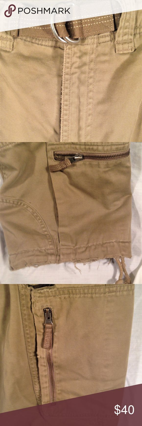 """Old Navy Beige Tan Fleece Lined Winter Cargo Pants Thank You for choosing Kross Threads! Condition: Good Pre-Owned Condition. Frayed Cuffs, Small tear by knee. While we strive for perfection, If any flaws are found please contact us for a solution. Label: Old Navy Material: 100% Cotton Color: Khaki Size: 33/32 Country: india Measurements Waist : 33"""" Inseam: 30"""" Our mission is to provide unique quality style to your wardrobe Old Navy Pants Cargo"""
